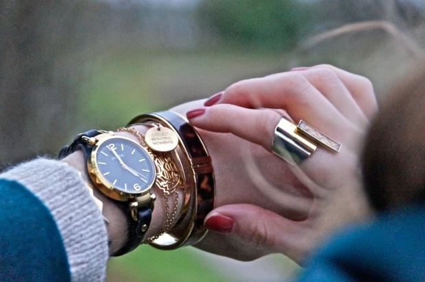 arm-jewels-accessories